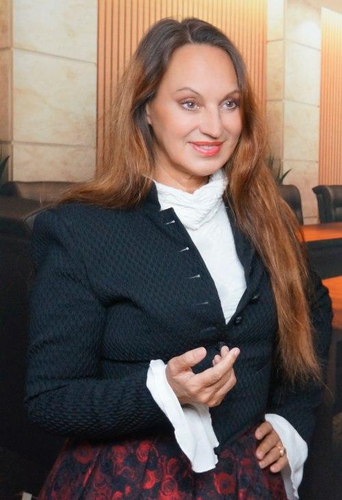 Annette Mueller